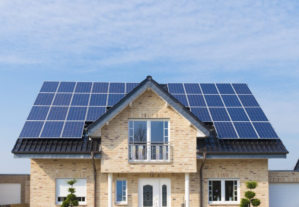 How Solar Affects Buying, Selling and Refinancing a House
